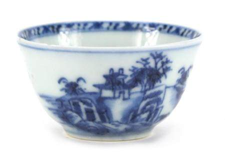 Chinese blue and white porcelain tea bowl from the Nanking cargo, hand painted with a landscape,