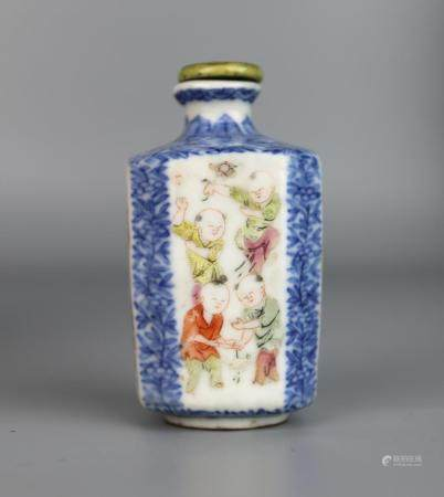 A Chinese Blue & White Famille Rose Snuff bottle, Daoguang M