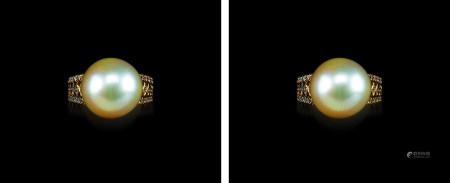 18K金黄金色珍珠钻石戒指