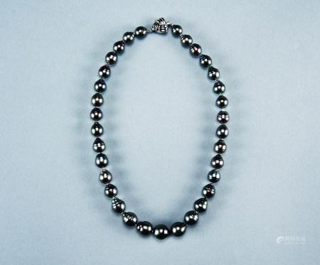 14K白金黑珍珠项链