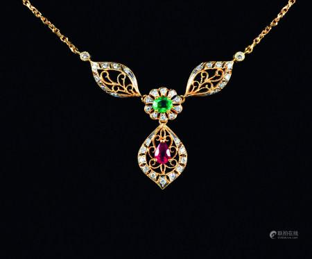 18K金红寳石祖母緑鑚石项链