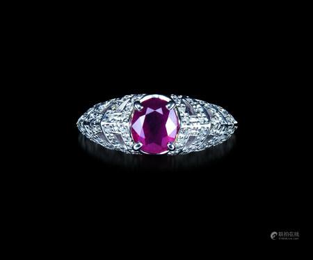 Pt900缅甸鸽血红红宝石钻石戒指