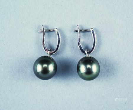 K18WG天然大溪地黑珍珠钻石耳钉(两用)