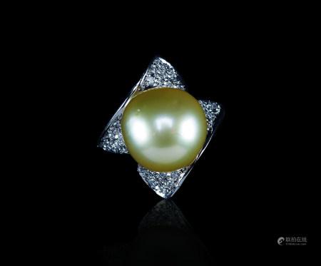 铂金黄金色珍珠钻石戒指