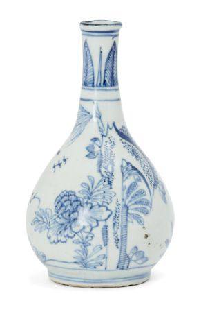 A Chinese porcelain small bottle vase, Ming dynasty, 17th century, painted in underglaze blue with a
