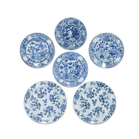 A group of six blue and white export dishes Wanli-Kangxi (6)
