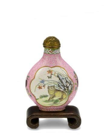 CHINESE PINK ENAMEL SNUFF BOTTLE, 18-19TH CENTURY