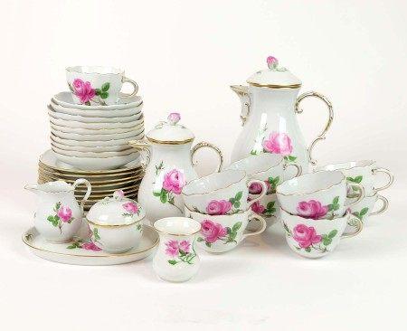 KAFFEESERVICE, Staatl. Porzellanmanuf Meissen, Form Neuer Ausschnitt, Dekor Rote Rose, Goldrand,