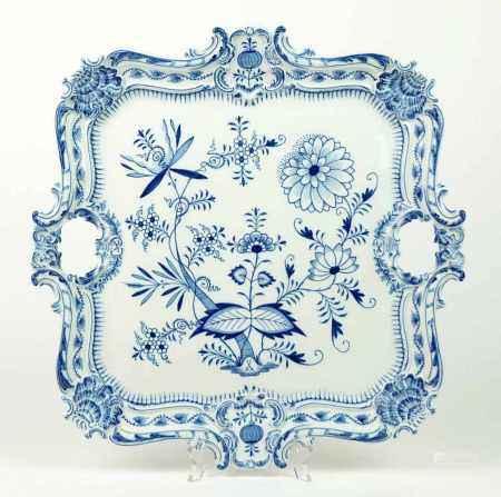 GROßES TABLETT, Königl. Porzellanmanuf. Meissen, Dekor Zwiebelmuster Blau, Historismus Epoche, bis
