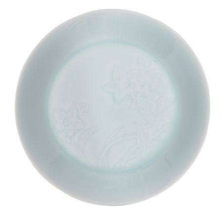 Tsukamoto Kaiji, Japanese 1912-1990, A qingbai ware bowl decorated with Chinese Bellflower signed