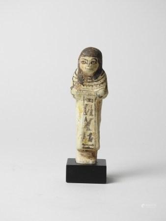 Chaouabti.Fritte.Inscrit d'un texte hiéroglyphiques au nom du prêtre Hori.En [...]