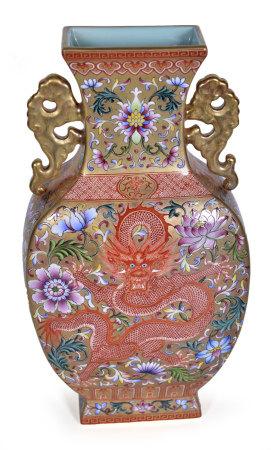金地粉彩龍紋雙耳瓶