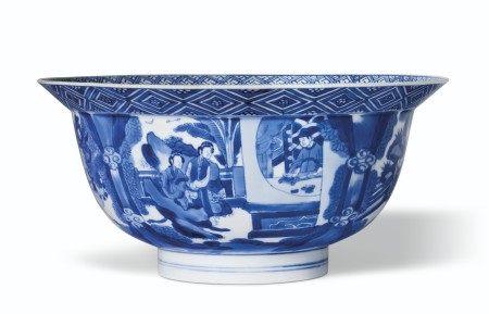 清康熙 青花人物故事图碗 双圈六字楷书款 KANGXI SIX-CHARACTER MARK IN UNDERGLAZE BLUE WITHIN A DOUBLE CIRCLE AND OF THE PERIOD (1662-1722)