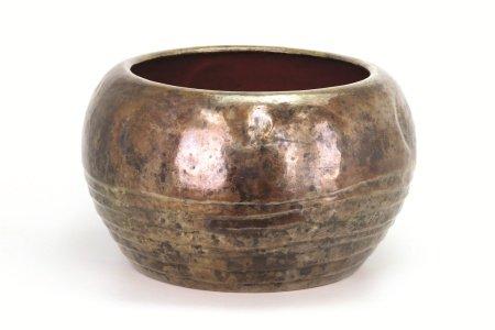 玉川堂作一片銅打出大火鉢