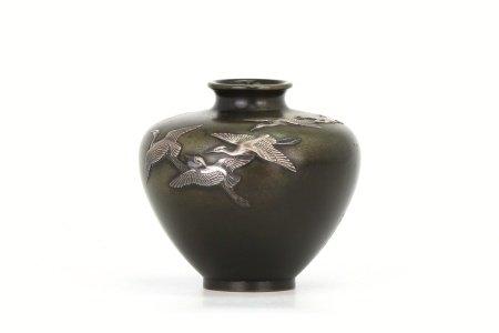 能川造篤良在銘鶴群象嵌花瓶
