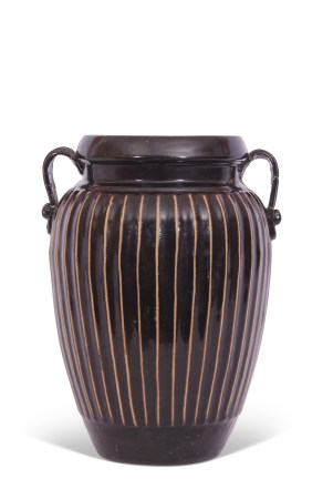 Cizhou Chinese pottery black ribbed vase with strap handles, 21cm high