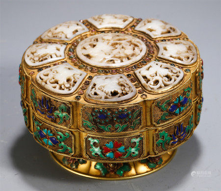 CHINESE GILT BRONZE JADE CARVED LIDDED BOX WITH KINGFISHER FEATHER