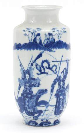 Good Chinese blue and white porcelain vase, finely hand painted with warriors on horse back and