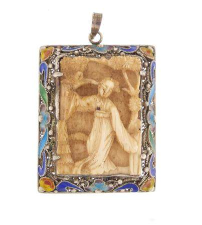 Chinese canton silver and enamel pendant set with a carved ivory panel of a female, 3.5cm high, 11.