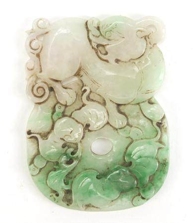 Chinese green and white jade carving of a Foo dog and two bats, 7.5cm high : For Condition Reports