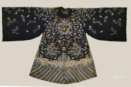 清 刺绣黑地龙袍