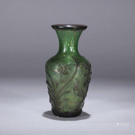 清 浮雕花卉料器瓶