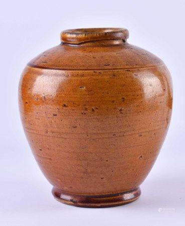 Vase China Ming Dynastiebraun glasierter Ton, H: 13,5 cm,Provenienz: Alte Sammlung Paris.Vase