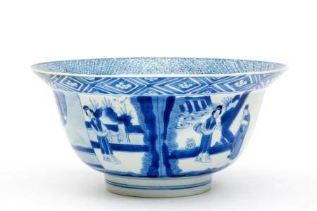 A blue and white klapmuts bowl