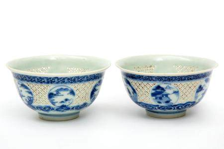 Two blue and white ling-long bowls