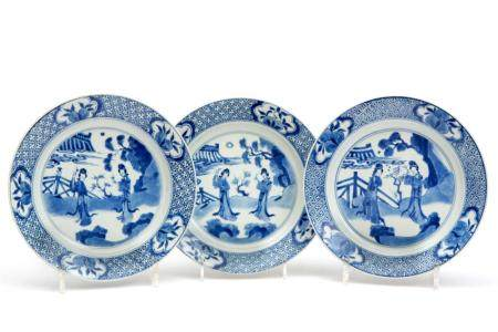 Three blue and white Long Eliza plates
