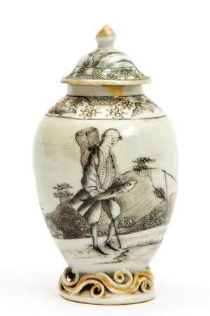 An encre-de-Chine tea canister