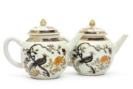 Two teapots, encre-de-Chine