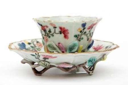 A magnolia shape famille rose cup & saucer