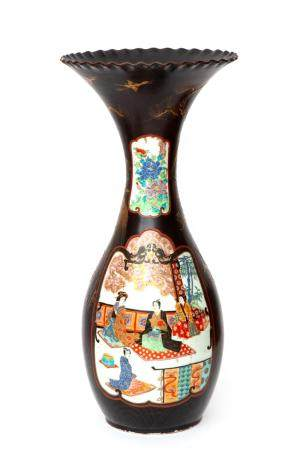 A Japanese porcelain vase with partly lacquer finish