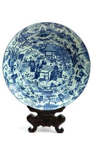 A large blue and white Ming style charger