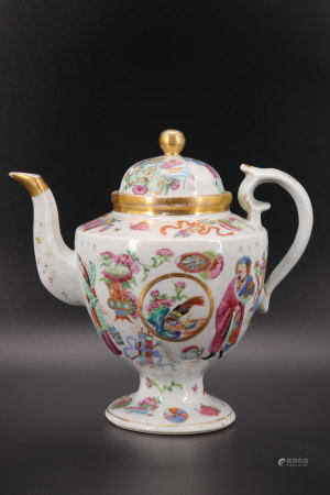 Chinese porcelain teapot decorated with figures famille rose 19th