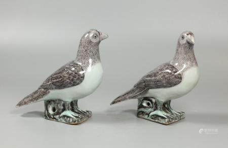 pair of Chinese porcelain birds, possibly Republican period