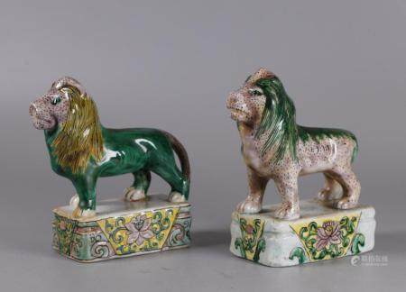 2 Chinese porcelain lions, possibly 19th c.