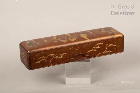 Japon, période Meiji Fumibako à décor en laque or et hira maki-e sur fond nashi-ji, à décor de