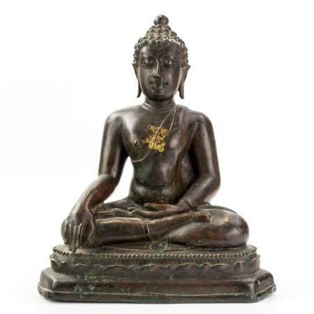 Antique Chinese Tibetian Bronze Buddha Sculpture