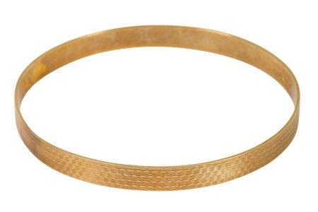 A 9 carat gold bangle