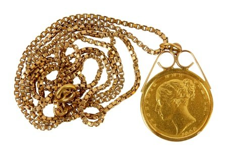 A Victorian full sovereign pendant necklace