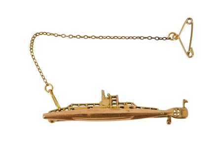 A submarine brooch, circa 1915