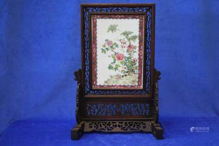 19TH CENTURY CHINESE TABLE SCREEN ON STAND, FAMILLE ROSE HAN