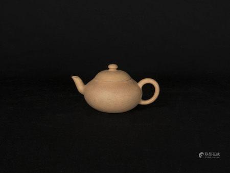 清代-「山水之中作」款段泥壺