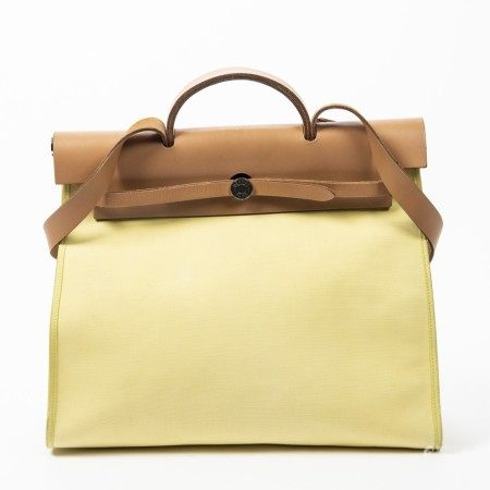 HERMÈS | LIME AND NATURAL TOILE OFFICIER CANVAS AND BARENIA LEATHER HERBAG ZIP MM WITH PALLADIUM HARDWARE