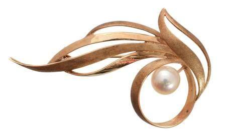 A Tasaki Pearls brooch,