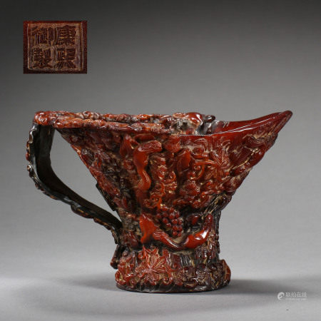 CHINESE ANCIENT HORN CARVED CUP WITH A HANDLE