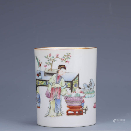 A Chinese Famille Rose Gild Figure Painted Porcelain Brush Pot