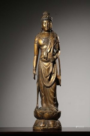 A Chinese Gild Wooden Guanyin Statue